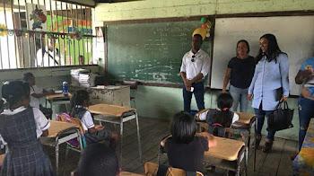 Secretario de Educación hace anuncios importantes en Bahía Solano