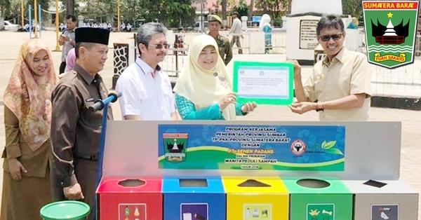 Gubernur Irwan: Perusahaan Proper Dilibatkan Dalam Program Wanita Peduli Sampah