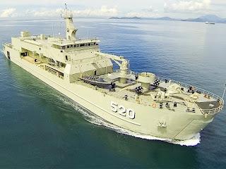 KRI Teluk Bintuni-520