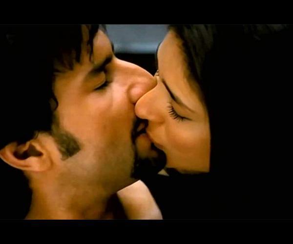 Think, you kareena kapoor kiss hot