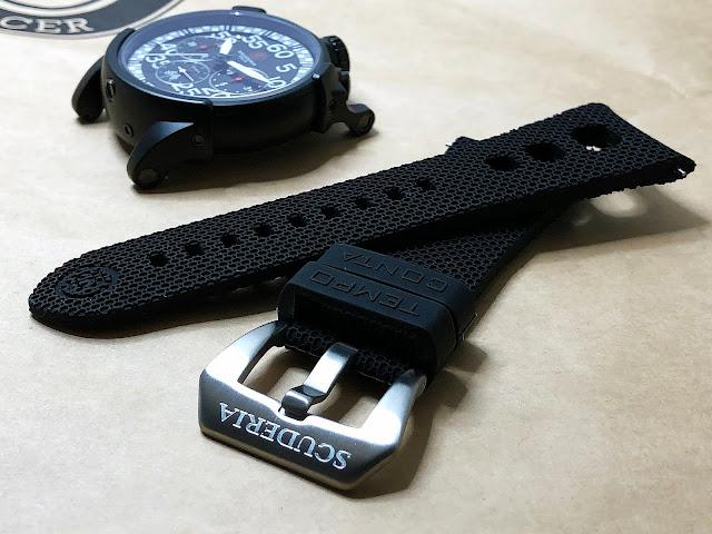 CT SCUDERIA City Racer CS10504   カフェレーサーをコンセプトにストップウォッチの様な形状の  少しユニークなデザインが特徴のCTスクーデリアの腕時計。    ファッションウォッチとは言ってもあくまでも「大人のファッションウォッチ」。    多少高額になろうと腕時計は自動巻きに限る、  という信念をお持ちの方にはこの「City Racer(シティレーサー)」をお勧めします。 大阪 梅田 ハービスプラザ WATCH 腕時計 ウォッチ ベルト 直営 公式 CT SCUDERIA CTスクーデリア Cafe Racer カフェレーサー Triumph トライアンフ Norton ノートン フェラーリ CITY RACER シティレーサー チェッカーフラッグ プレゼント 機械式 自動巻き オートマチック CS10504