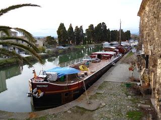 Barcaza en el Canal du Midi
