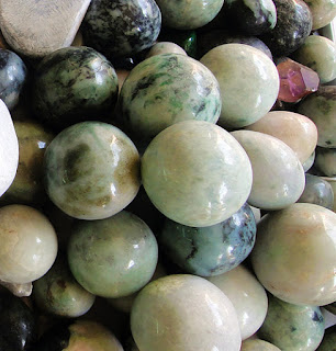 raw jadeite chunks selling in Yangon