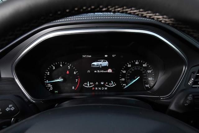 Ford Focus 2019 Vignale - cluster de instrumentos