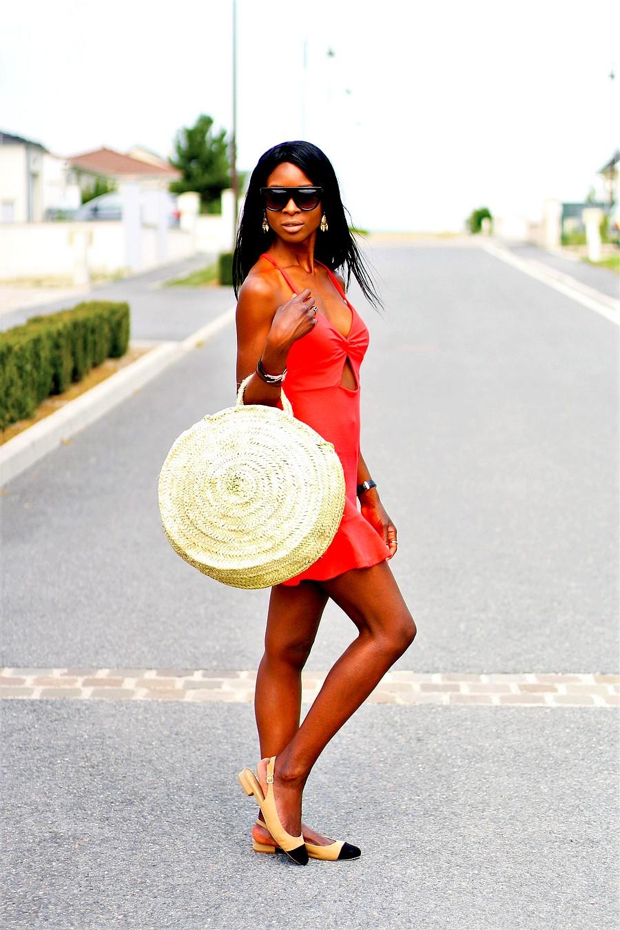 lunettes-celine-kim-kardashian-robe-rouge-volants-slingback-style-chanel