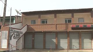 Jovem mata pai e namorada dele e depois se entrega à polícia em Campina Grande