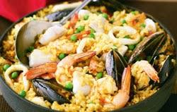 Paella su jūrų gėrybės ir ryžiais