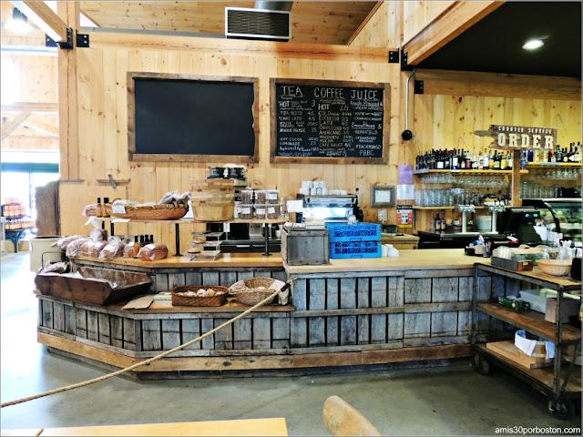 Applecrest Farm Market: Cafetería