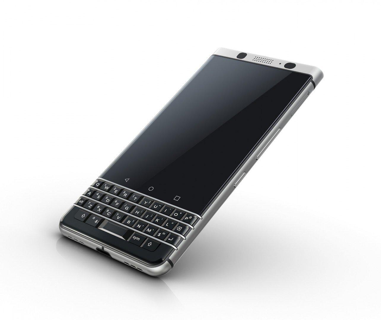 Nuovo BlackBerry KEYone, tastiera fisica e Android 7.1 2 HTNovo
