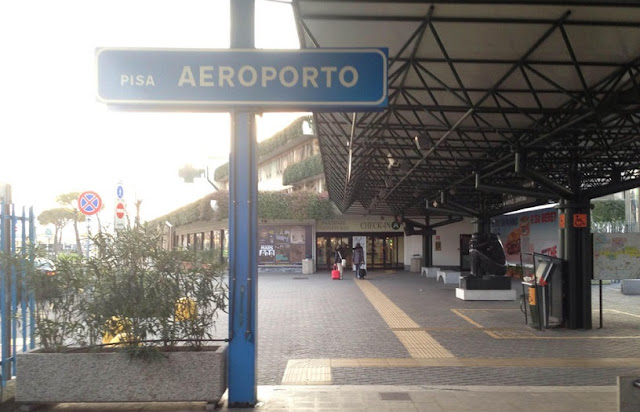 Aeroporto de Pisa até o centro turístico de ônibus