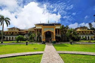 istana termegah di indonesia