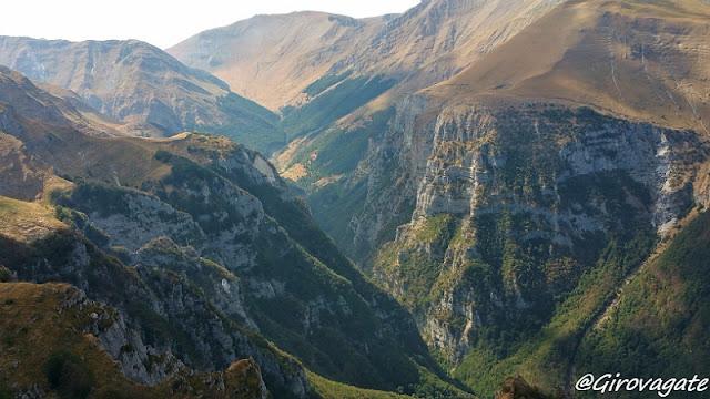 sentiero trekking monte Sibilla