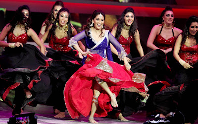 Madhuri Dixit Dance at International Indian Film Academy Awards Macau