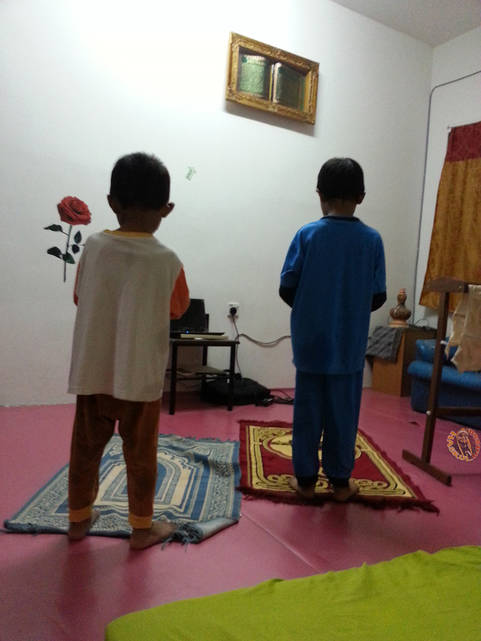 Ajar Anak Sholat Perlukan Kesabaran