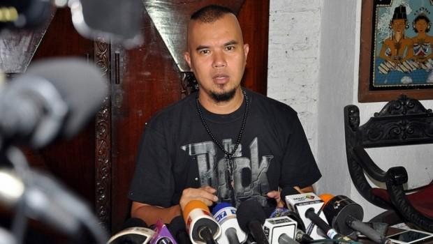 Dhani Hina Presiden, Pihak Promotor Membatalkan Konser Dewa 19