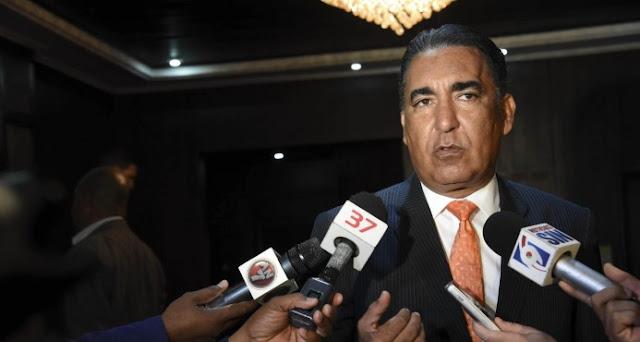 El diputado Mario Hidalgo: Gobierno cometió un error al intervenir de forma simultánea todos los hospitales del país