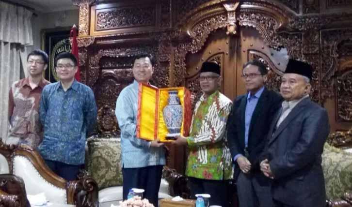 Dubes China: 10 Juta Orang China ke Indonesia Turis, Tidak Mencuri Pekerjaan Orang Indonesia?