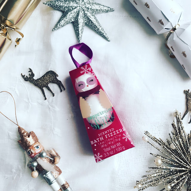 poundland haul, poundland gifts, christmas gift guide, stocking filler ideas, what to buy for her, beauty blogger, beauty must haves, what to get for christmas, affordable christmas gifts