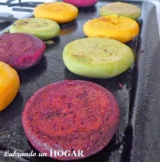 #arepasdecolores #arepasderemolacha #arepasdezanahoria #arepasdeespinaca #nutritivas #receta #venezolana #recetafacil #sabrosa #LabrandounHOGAR