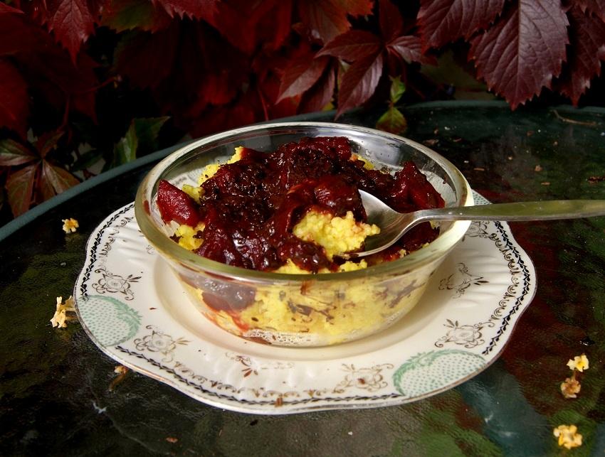 Kasza jaglana z sosem śliwkowo-jablkowym