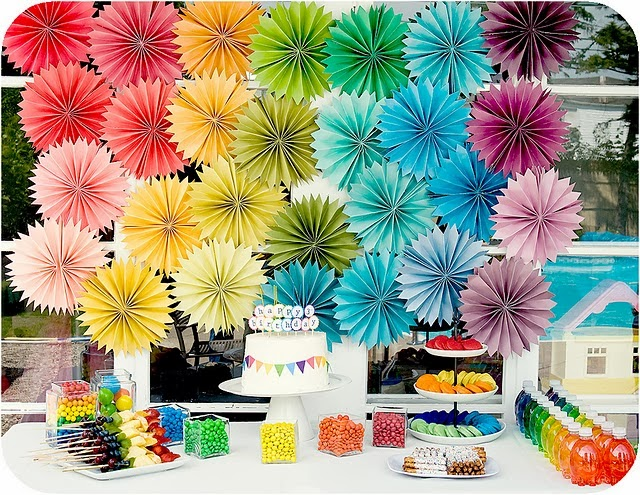 Decorar photocall de fiestas con papel