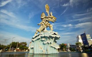 http://www.teluklove.com/2017/03/destinasti-objek-wisata-patung-dewa.html