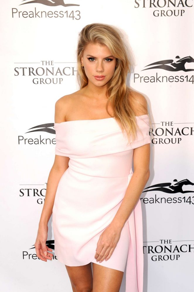 Charlotte Mckinney Hot Gallery