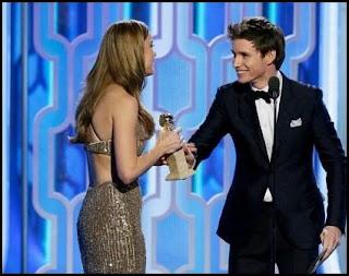 Brie Larson y Eddie Redmayne en los Globos de Oro 2016