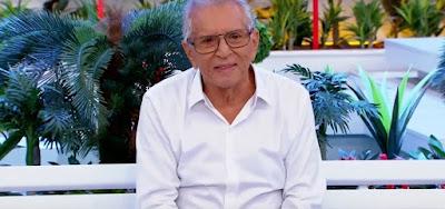 O apresentador do SBT Carlos Alberto de Nóbrega, que neste domingo (12) anunciou que está internado num hospital