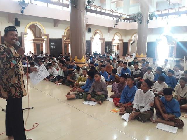 Masjid Al Manar Menggelar Pengajian dan Buka Bersama 3.000 Nasi Boks