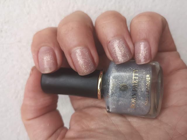 glitter blanco manicura