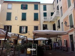 Albenga piazza delle Erbe