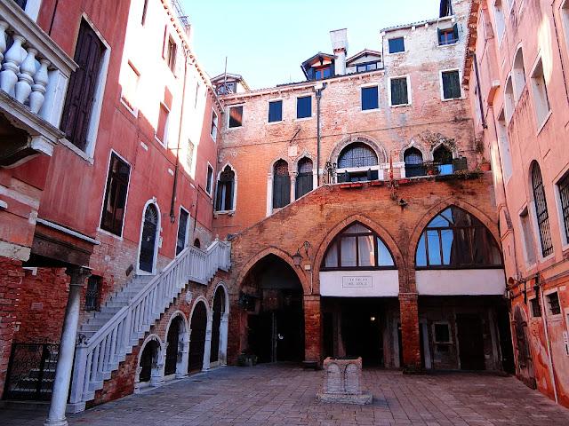Benátské náměstíčko Campiello del Remer