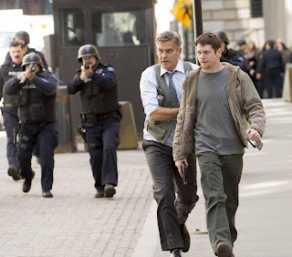 English Movie Review - Money Monster, Senarai Pelakon Money Monster, George Clooney, Julia Roberts, Jack O' Connell, Dominic West, Caitriona Balfe, Giancarlo Esposito, Pengarah Filem Money Monster, Jodie Foster,