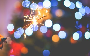 Wallpaper: Sparklers in the New Years Eve