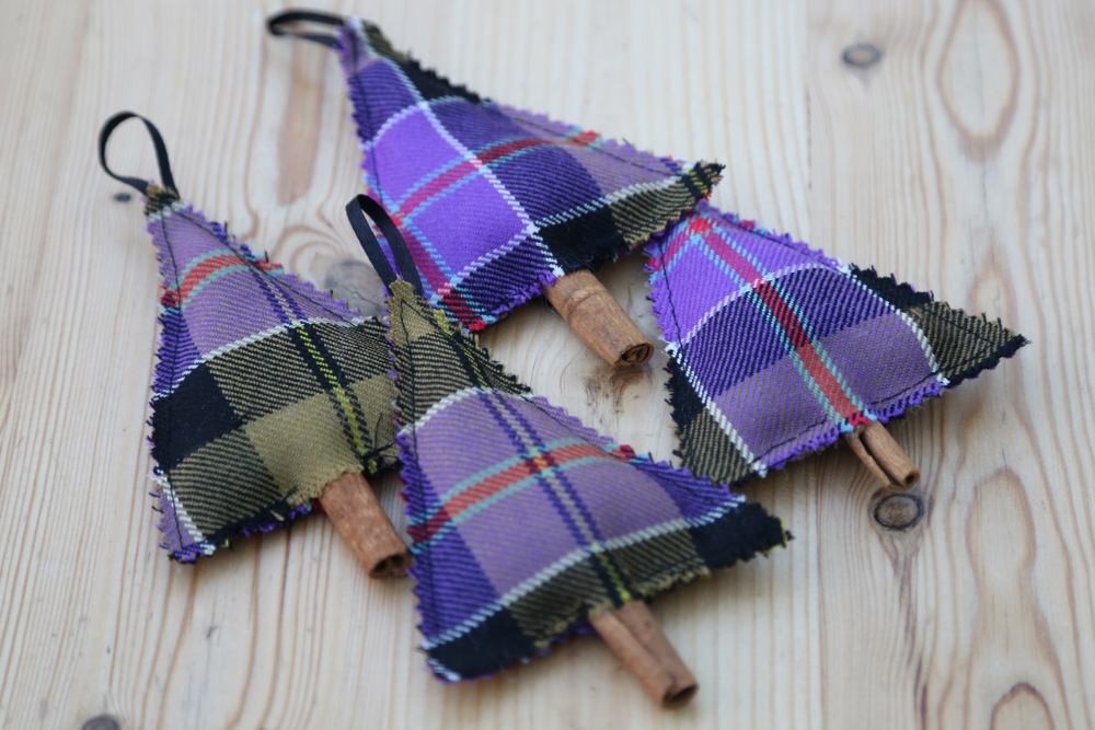 how to make tartan christmas decorations - Christmas Decorations To Make With Sewing Machine