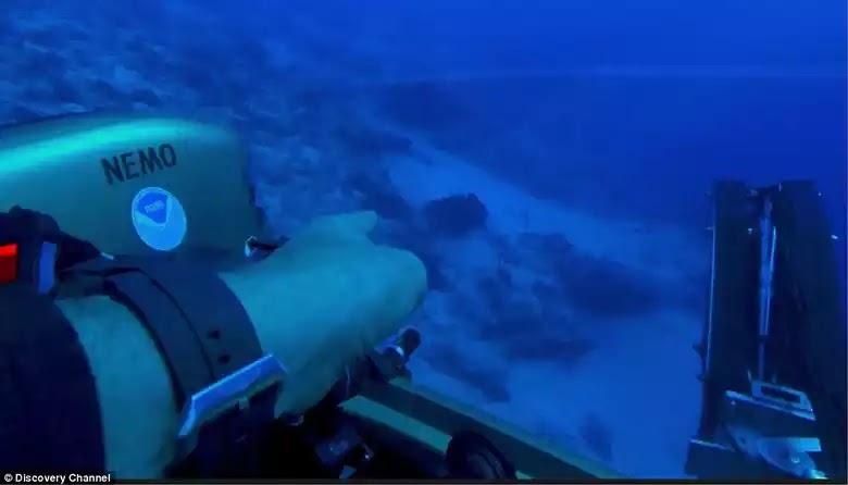 Ένας κυνηγός θησαυρών από το κανάλι Discovery λέει για ένα τεράστιο αντικείμενο στον βυθό του τριγώνου των Βερμούδων