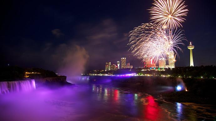 Wallpaper: Fireworks above Niagara Falls