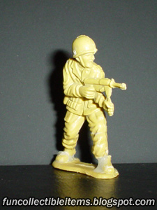 Light Machine Gunner plastic toy soldier
