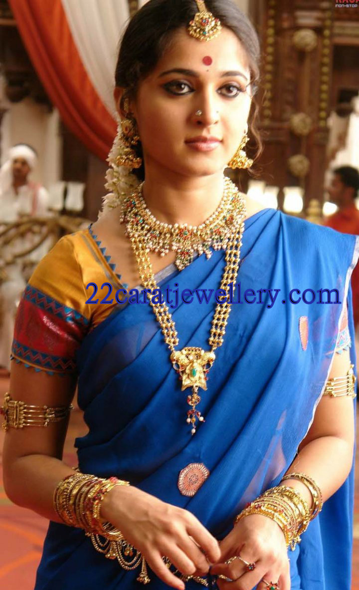 Anushka In Traditional Temple Jewellery Jewellery Designs