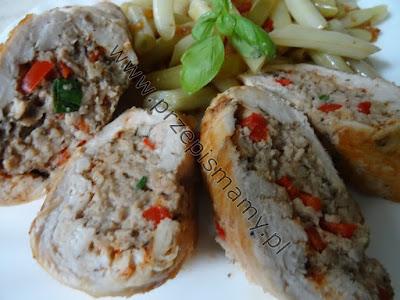 Filet z kurczaka faszerowany mięsem