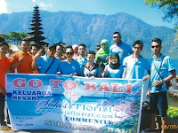 Karyawan Toko Bunga Sukis Florist Dapat Holiday Bali yang Seru dan Mengasyikkan