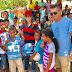 Aliomar e Elba distribuem presentes para crianças do município
