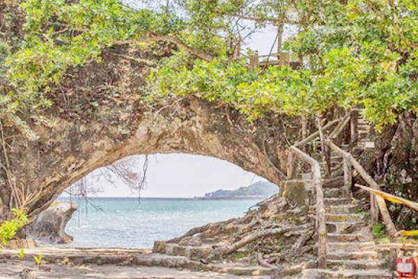 okasi Pantai Karang BolongBanten