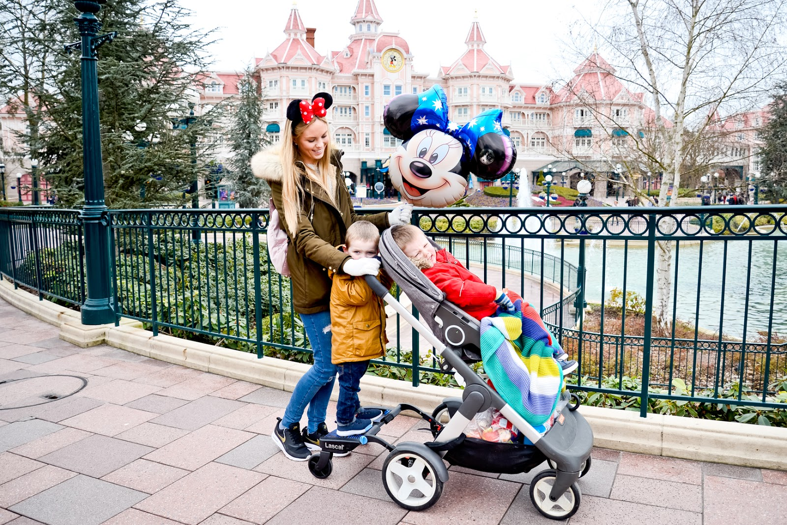 buggyboard disneyland, first time at disneyland paris, disneyland paris travel blog, disneyland, disneyland paris highlights, disneyland paris must do, vegetarians at disneyland paris,