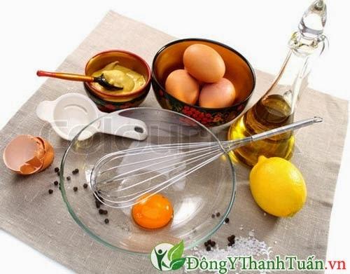Cách chữa đau họng bằng mật ong, chanh và trứng gà