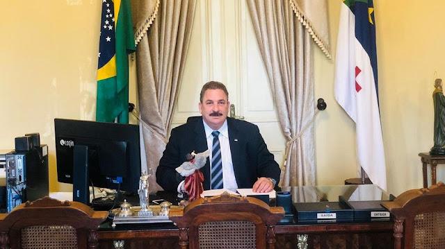 Eriberto Medeiros reassume Governo de Pernambuco