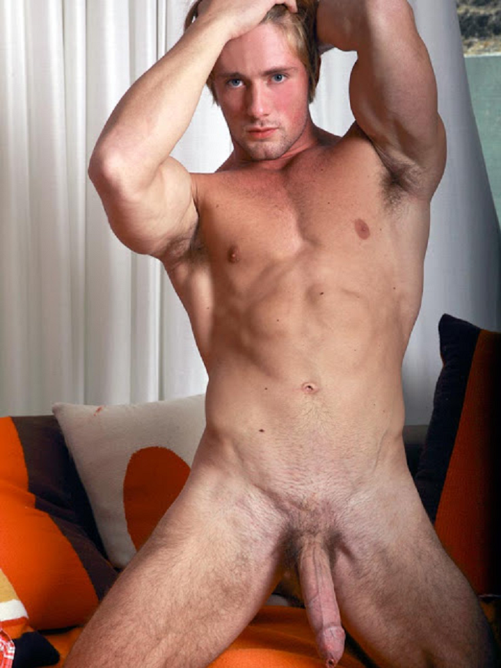 Blonde hairy muscle men naked