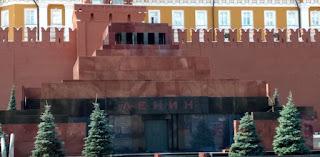 Plaza roja de Moscú. Tumba de Lenin.