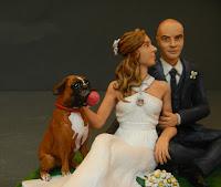 Statuette matrimonio sposi cane boxer scarpe sposa orme magiche